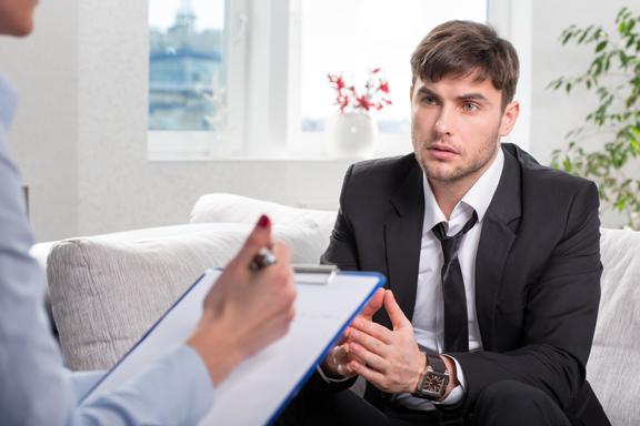 Nicht nur Fähigkeiten zählen: Richtiges Verhalten beim Jobinterview